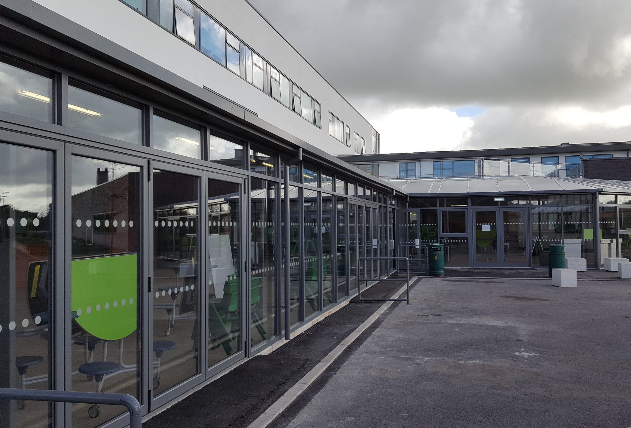 Enclosed canopy at West Lakes Academy - TRITON