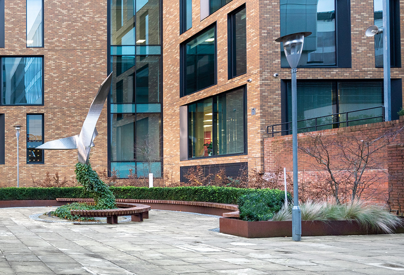 Benches and planters at Enterprises House - City3